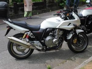 CB400 2