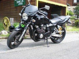 XJR400