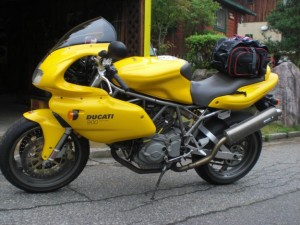 DUCATI S900ie